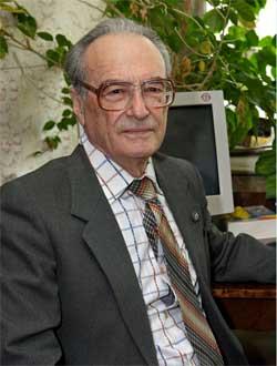 Профессор-консультант кафедры строительных конструкций и управляемых систем Абовский Н.П.